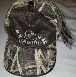 NWT 🦆 Ducks Unlimited Camo Hat